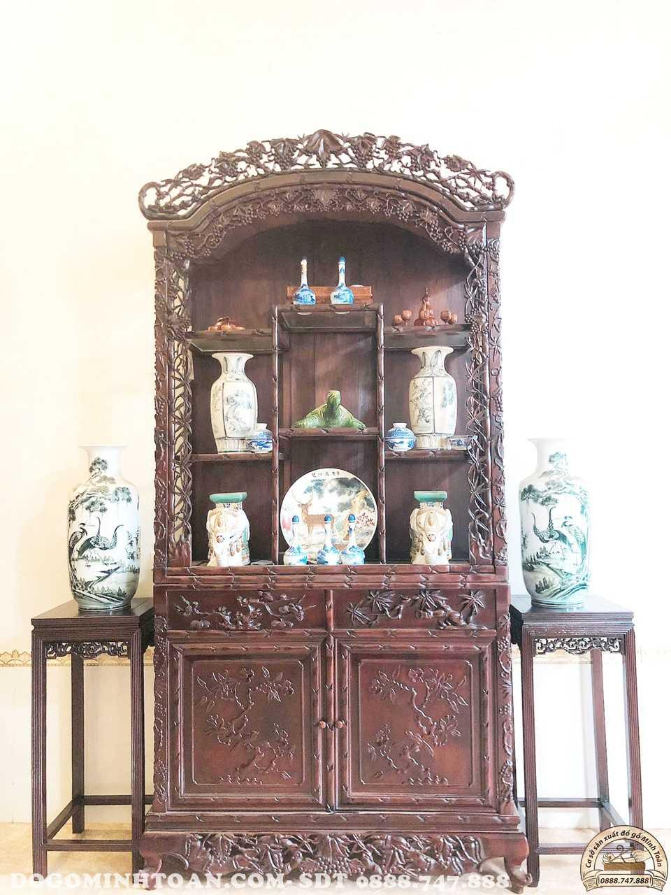 Tủ trưng bày đồ đục trúc nho