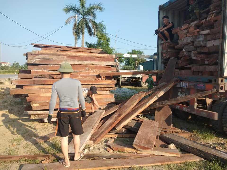 sập gỗ dổi
